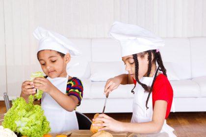 Siblings making sandwich