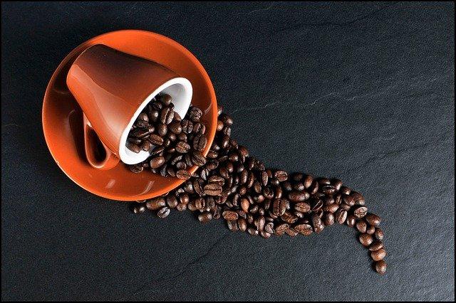 consumo di caffeina in menopausa